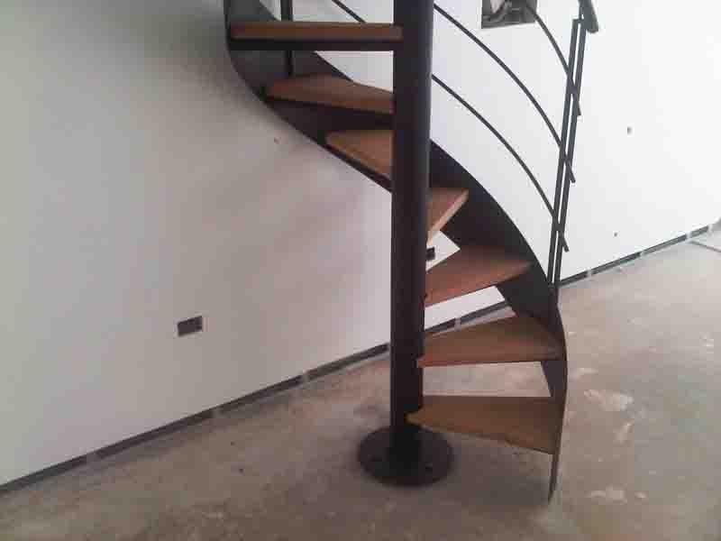 Fotos de escaleras de caracol interesting la escalera de for Imagenes de escaleras de caracol