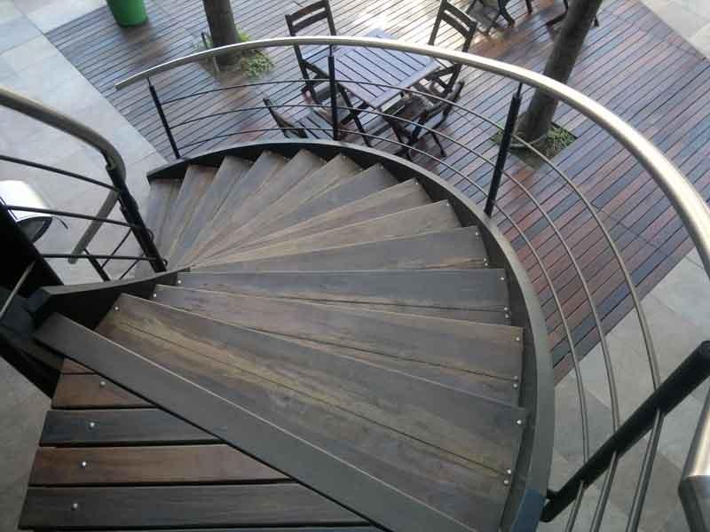 Escaleras helicoidales herreria de vanguardia venta de for Escaleras helicoidales